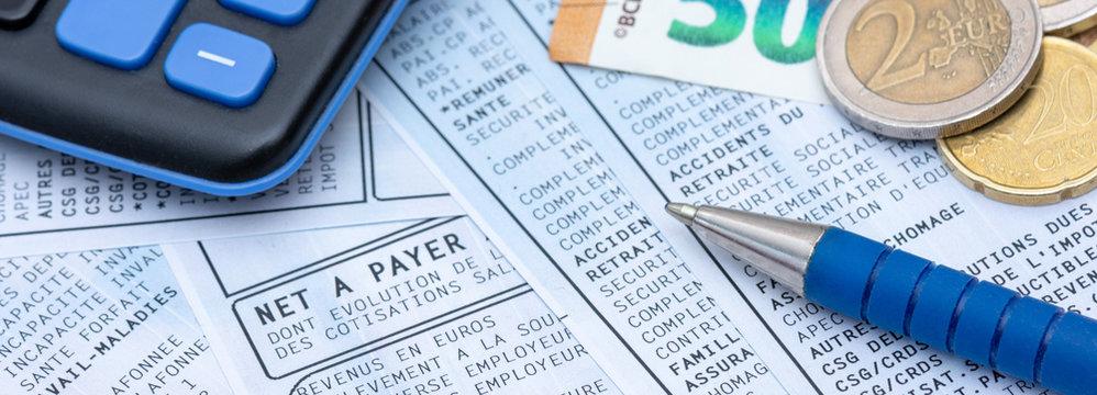Bulletin de paie français avec prélèvement d'impôt sur le revenu à la source