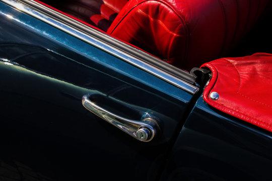 DS 21 concertible detail (door and interior)