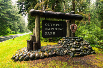 Sign of entrance to the Olympic National Park, Washington, United States of America, Travel USA, holiday, adventure, outdoor