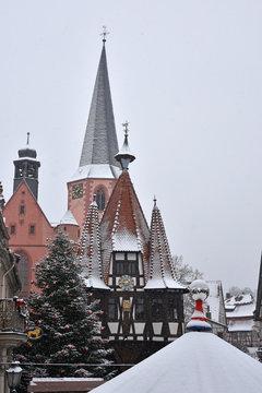 Michelstädter Weihnachtsmarkt - Rathaus im Schnee