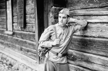 young soldier s face - vintage photo scan - about 1945