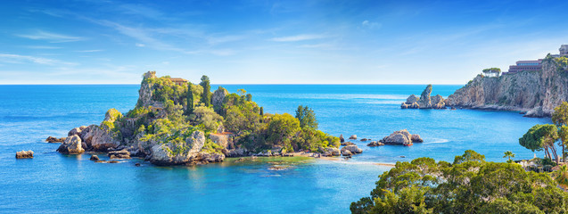 Panoramic view of beautiful Isola Bella, small island near Taormina, Sicily, Italy Fototapete