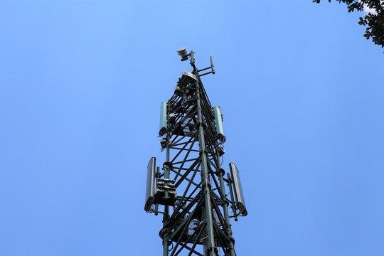 Antenne relais de téléphonie mobile dans la commune de Yzeron - Département du Rhône - France - Juillet 2019