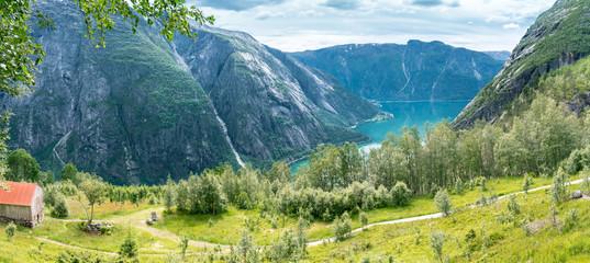 Blick vom Bauernhof Kjeåsen nach Eidfjord, Norwegen