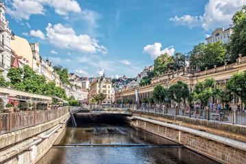 Mühlbrunnkolonnade Karlovy Vary Stadt Tepla Fluss