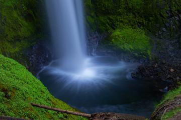 Falls Creek Falls splash