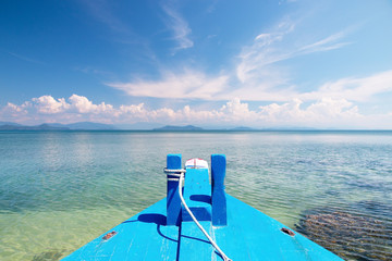 In de dag Olijf beautiful scene, boat in the tropical sea with blue sky background