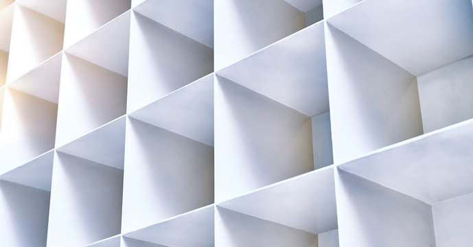 Photo of abstract grid pattern sculpture.