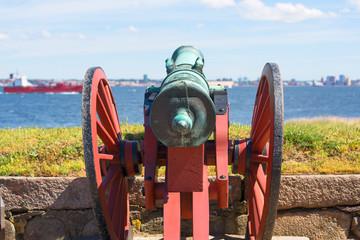 Old cannon in front of Kronborg Castle on the Oresund Strait, Baltic Sea, Helsingor, Denmark Fototapete