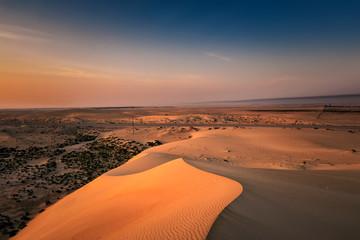 Fototapeten Lachs Beautiful Sunrise in Dammam Saudi Arabia Desert