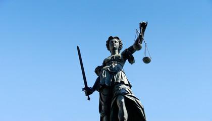 Justitia am Römerberg in Frankfurt