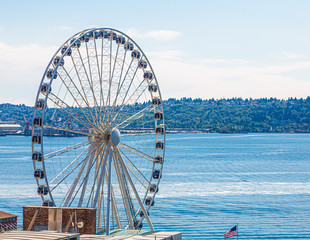 Wall Mural - Ferris Wheel on Puget Sound in Seattle