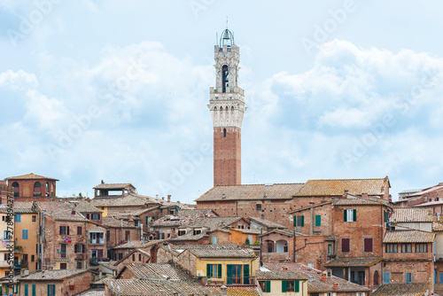 Fototapete Skyline of historical city Siena in Tascany, Italy