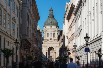 Wall Mural - Crowded tourist at Zrinyi Utca street with Saint Stephen`s Basilica in Budapest, Hungary