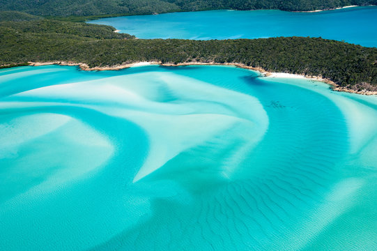 Hill Inlet from the air over Whitsunday Island - swirling white sands and blue green water