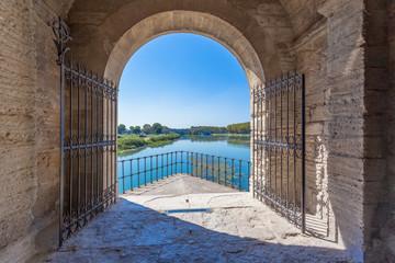 Le Rhône vu du Pont d'Avignon, France