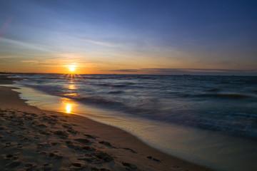 Fototapeta Zachód słońca nad Morzem Bałtyckim. Zatoka Gdańska, Gdańsk Sobieszewo  obraz