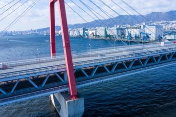 海の上に建つ橋 空撮