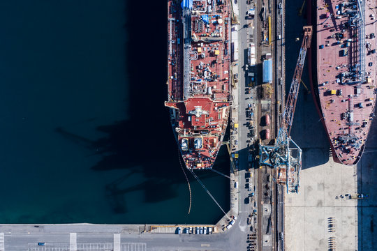 建造中の大型船 空撮