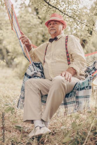 72b7d293e Portrait of happy smile senior elderly caucasian old man grandfather ...