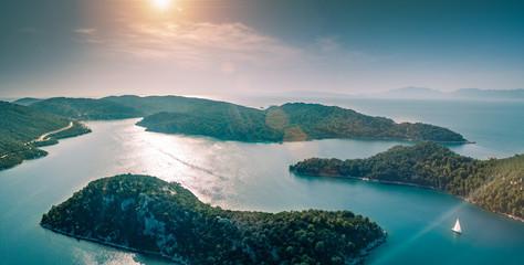 Panorama Aérien de l'archipel des Îles de Mljet en Croatie
