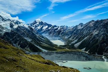 Aoraki Mount Cook; Sicht über Seen und Berge; starke Farben; Neuseeland