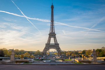 A view of the Eiffel Tower from Palais de Chaillot, Paris, France Wall mural