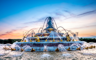 Foto auf Gartenposter Paris Fountain at the royal residence of Versailles, near Paris, France