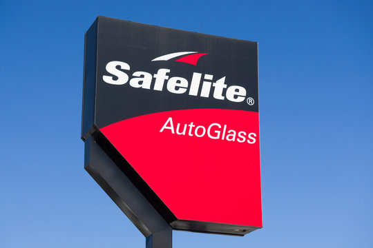 Safelite AutoGlass Sign and Logo