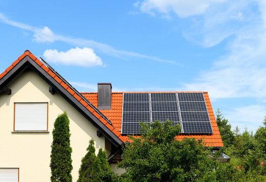 Umweltfreundliche Elektrizität vom eigenen Dach