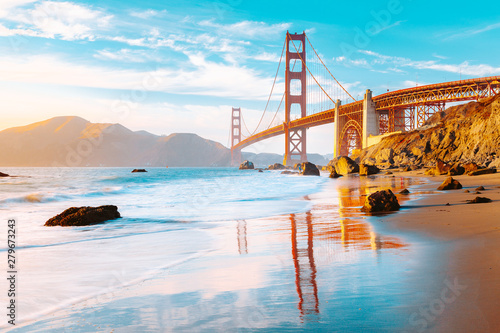 Wall mural Golden Gate Bridge at sunset, San Francisco, California, USA