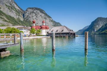 Fototapete - Königssee lake with St. Bartholomä pilgrimage chapel in summer, Bavaria, Germany
