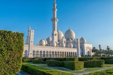 Beautiful Sheikh Zayed Grand Mosque at Abu Dhabi