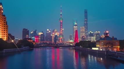 Fotomurales - time lapse of sunset, Shanghai skyline and Waibaidu bridge, China