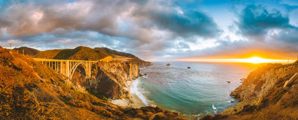Wall Mural - Bixby Bridge along Highway 1 at sunset, Big Sur, California, USA