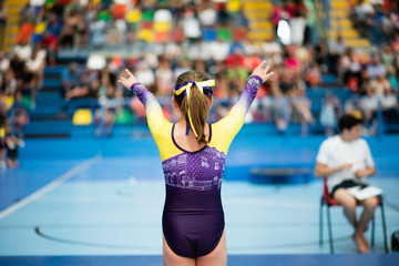 ARTISTIC GYM IN COMPETITION