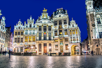Poster Brussels Grand Place in Brussels in night, Belgium
