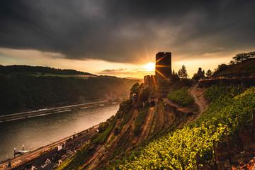 Sonnenuntergang im Mittelrheintal bei Kaub Fototapete