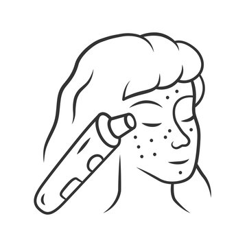 Blackhead remover linear icon. Pore cleaner. Vacuum comedone removing. Beauty device for home use. Thin line illustration. Contour symbol. Vector isolated outline drawing. Editable stroke