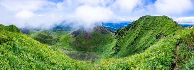 秋田駒ヶ岳からの眺め 夏山 秋田県 田沢湖