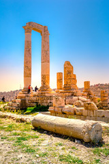 Fototapete - Temple of Hercules at Amman Citadel in Amman, Jordan.