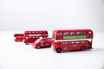 車、バス、おもちゃ、赤いバス、かわいい、白背景、人気、子供用、白バック、旅行、イギリス、ロンドン、観光、スポット、交通、ヨーロッパ、子供、道路、乗り物、歴史的、建築、乗用車、女の子、ロンドンバス、幼児、小物、人形、自動車、イメージ、雑貨、赤色、インテリア、園児、男の子、小学生、家族、川沿い、部屋、古い、東京、建造物、カラフル、イタリア、列車、ツアー Fototapete