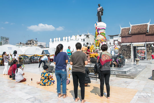 NAKHONRATCHASIMA, THAILAND - FEB26, 2018: People  workship Thao Suranari Monument in the city centre of Khorat or Nakhon Ratchasima in Isan in Noertheast Thailand. Thailand, Korat