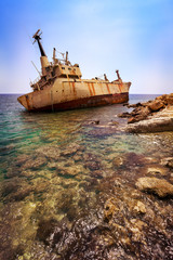 Photo sur Plexiglas Naufrage Abandoned ship wreck