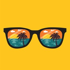 PrintBeach reflection in glasses