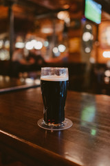 Obraz dark stout beer at a pub - fototapety do salonu