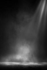 In de dag Licht, schaduw Wet asphalt, reflection of neon lights, a searchlight, smoke. Abstract light in a dark empty street with smoke, smog. Dark background scene of empty street, night view, night city.
