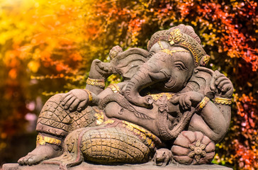 Lord Ganesha, Hindu and Indian god Throughout the Buddhist world Worship And worshiped for fortune Prosperous trade