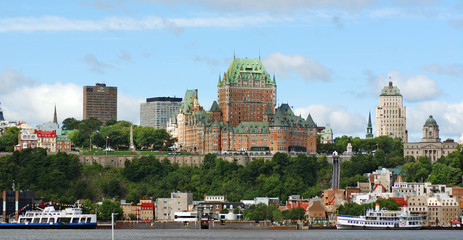 View of old Quebec and the Château Frontenac, Quebec, Canada. It was designated a National Historic Site of Canada during 1980. the site was the residence of the British governors of Lower Canada. Fototapete