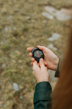 compass in the hands